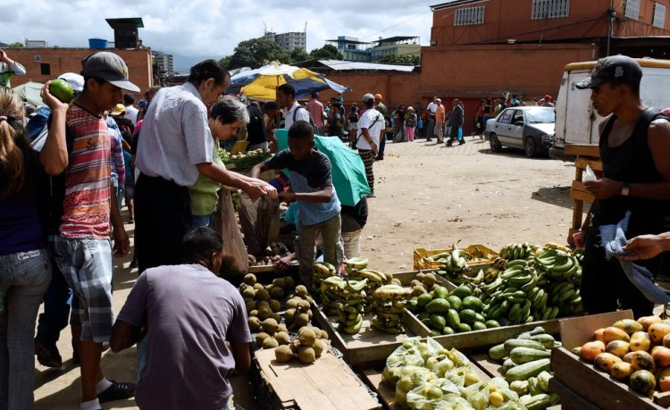 US sanctions 'suffocating' ordinary Venezuelans
