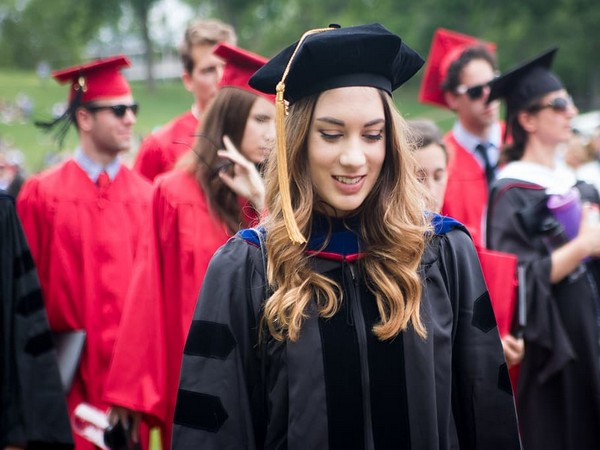 New study suggests role models have major influence on female university choices