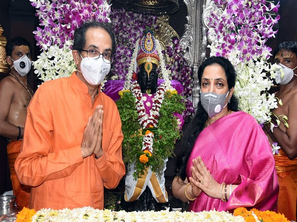 Maharashtra CM performs special prayers at Lord Vitthal temple
