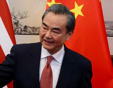 China's FM Wang offers aid and friendship on Cambodia visit