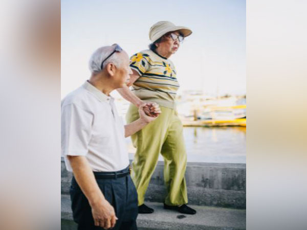 Older people with abdominal fat, weak muscles more likely to develop mobility problems: Study
