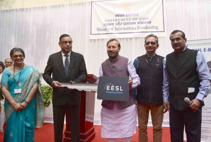 Prakash Javadekar flags off e-vehicles for giving fillip to e-mobility in India