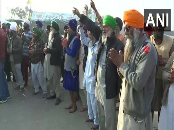 Haryana BKU activists burn effigies of Union govt to protest against new farm laws
