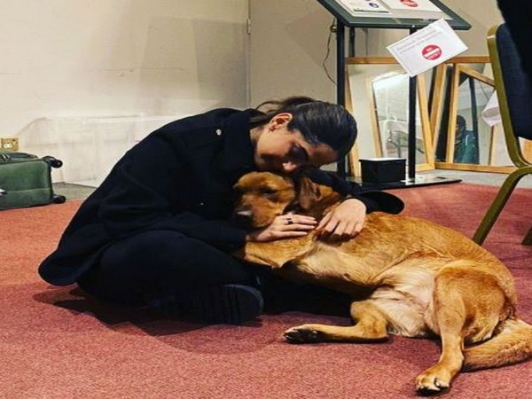 Sonam Kapoor introduces her on-screen dog, Elsa, from shoot of 'Blind'