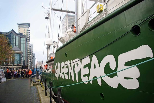 UPDATE 4-Greenpeace members face federal, state charges in Houston protest