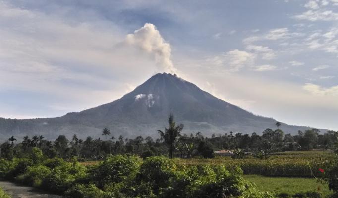 Biggest volcano explosion yet rocks tiny Caribbean island