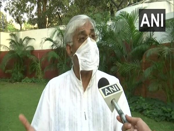 Chhattisgarh govt writes to Centre to include journalists in COVID vaccination drive