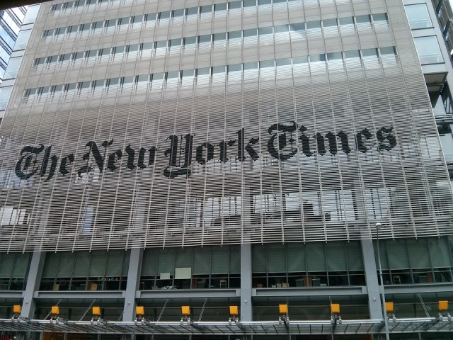 UPDATE 4-New York Times forecasts weakness in digital ads, shares down 12%