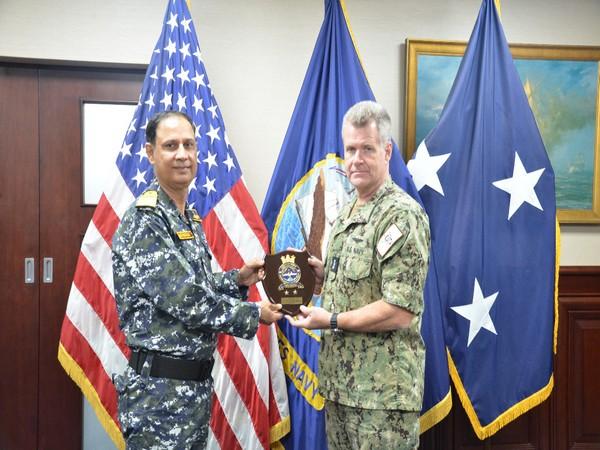 Rear Admiral Kochhar calls on US Navy Commander at Bahrain