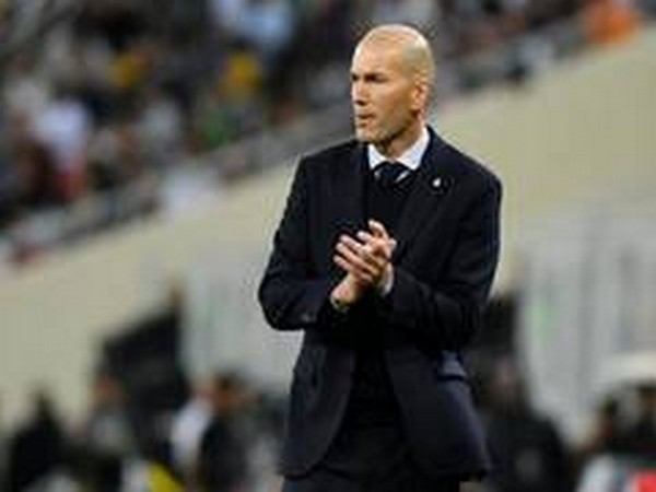 Zinedine Zidane works with entire Real Madrid group for first time since March