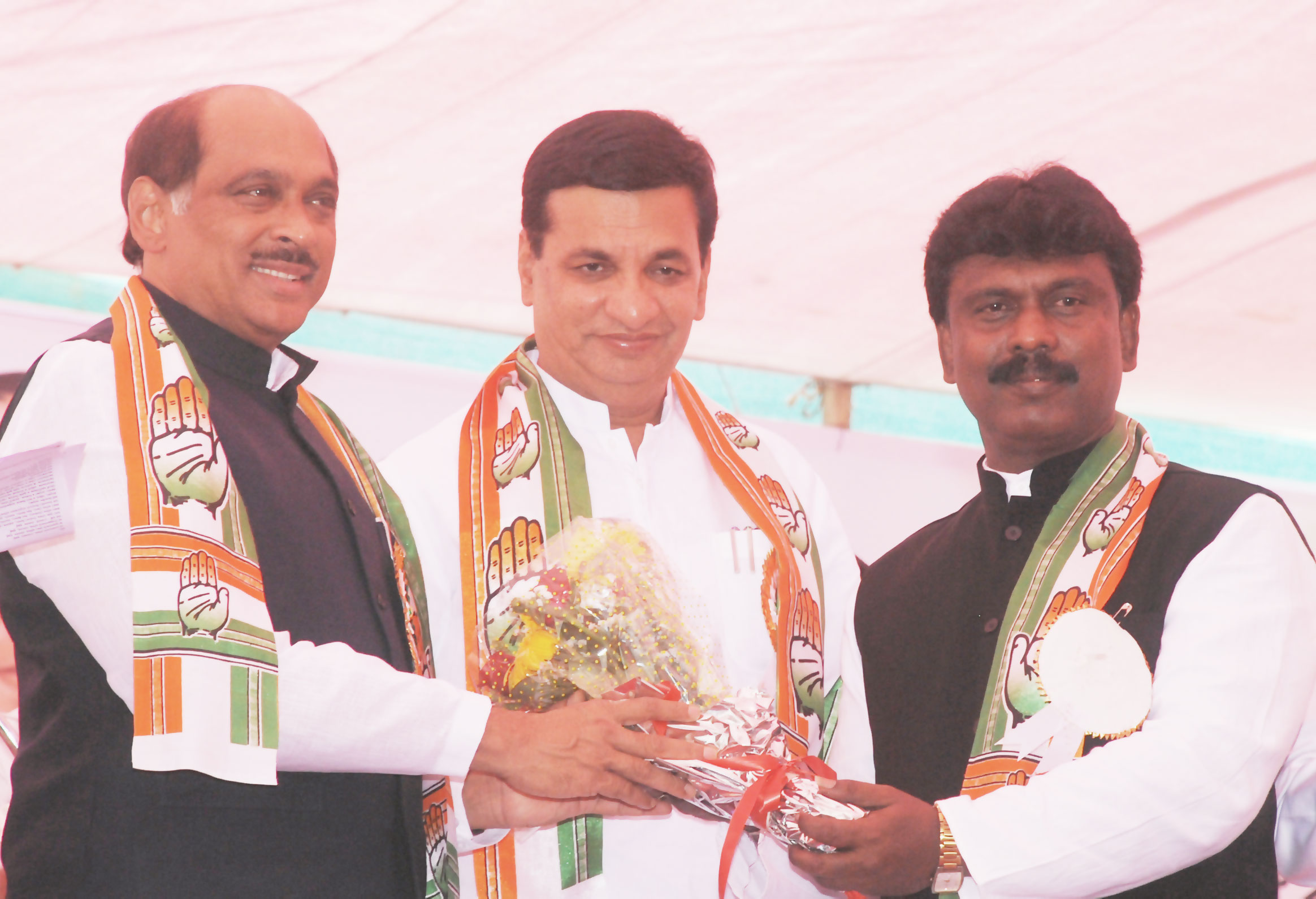 Will work for non-implementation of new farm laws in Maha:Cong