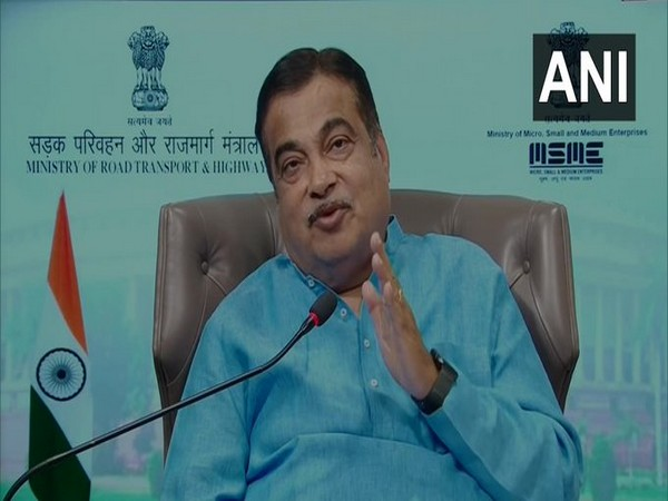 Gadkari inaugurates, lays foundation stones of Rs 9,577-cr road projects in MP