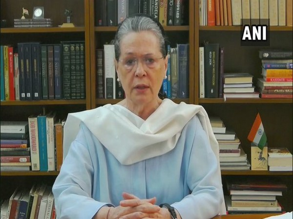 Bengal Cong chief Somen Mitra's death a personal loss: Sonia Gandhi