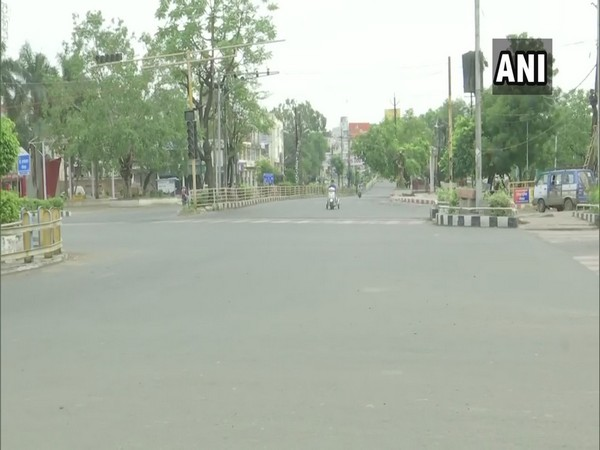 People stay indoors, streets deserted as lockdown continues in Bhopal