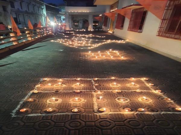 Devotees light earthen lamps at Ayodhya's Tapasvi Chhavani Ashram ahead of bhoomi pujan