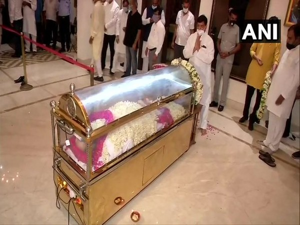 Mortal remains of Amar Singh brought to his residence in Delhi