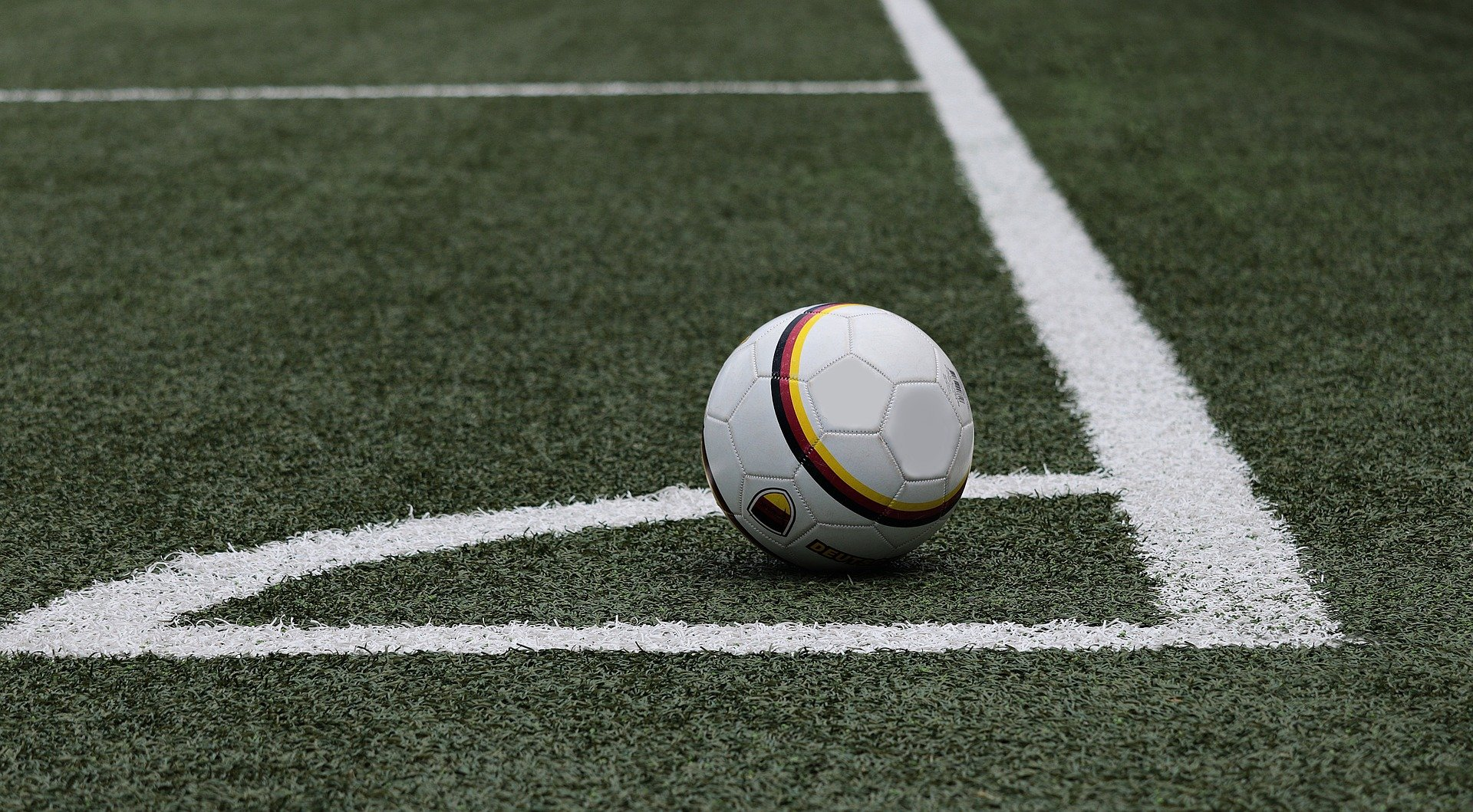 Soccer-Ansu Fati scores on return as Barca cruise past Levante