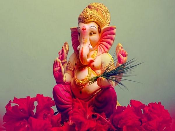 Nearly 1.65 lakh idols immersed during Ganpati festival in Mumbai; 2 drown