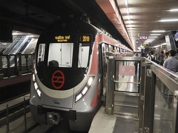 Kolkata Metro resumes services after over 5 months