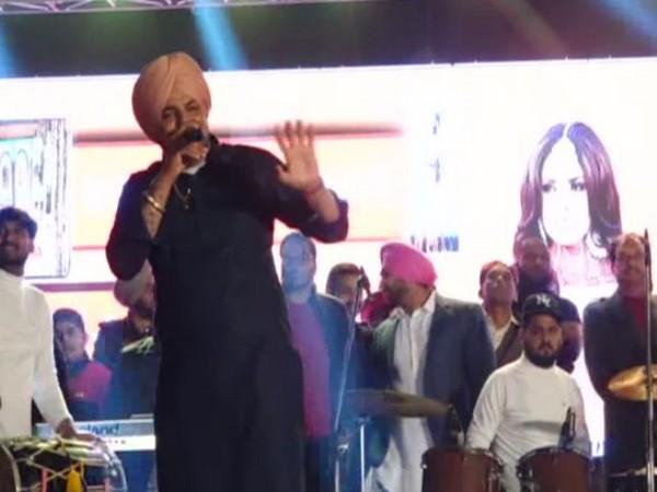 Case registered against Punjabi singers for promoting violence, gun culture