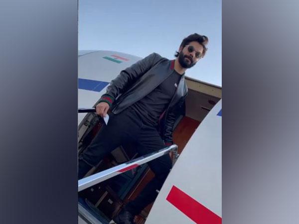 Varun Dhawan turns 'Bhediya' in latest Instagram post