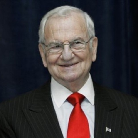 UPDATE 2-Lee Iacocca, auto executive who saved Chrysler from bankruptcy, dies at 94