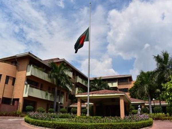 Bangladesh High Commission in Delhi pays homage to Pranab Mukherjee