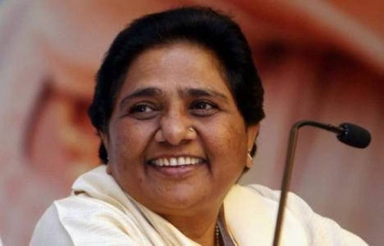 Advani's blog gave 'reality check' of anti-people Modi govt policy: Mayawati