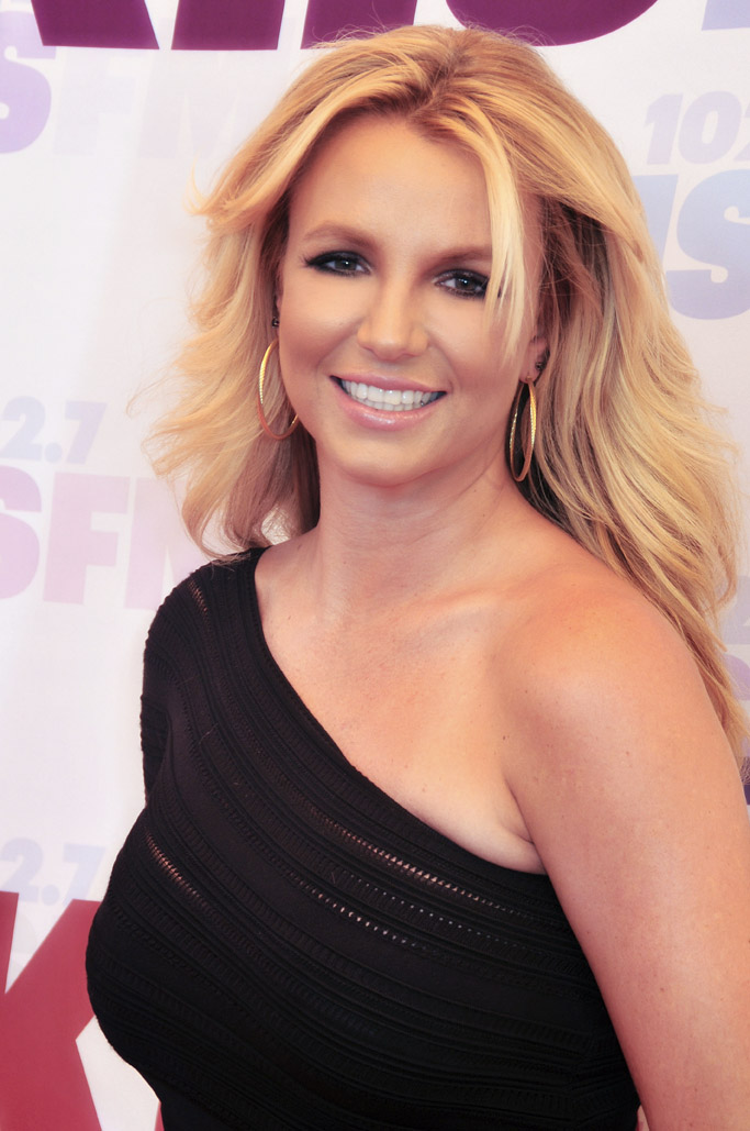 Britney Spears' ex-manager hit with restraining order
