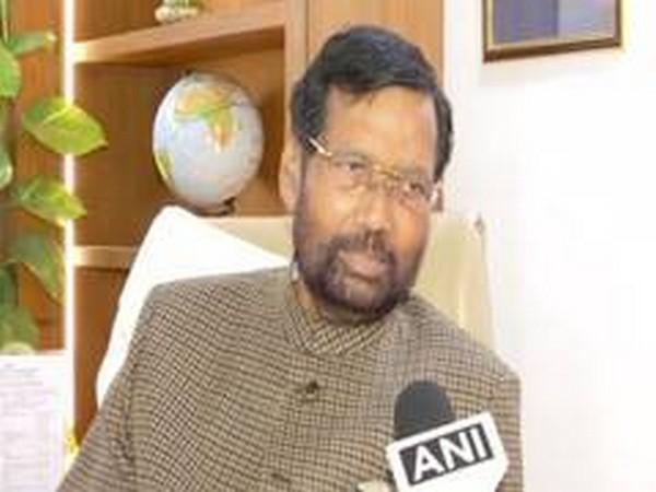 Ram Vilas Paswan Thanks Fci Workers For Timely Delivery Of Grains Amid Covid 19 Lockdown Headlines