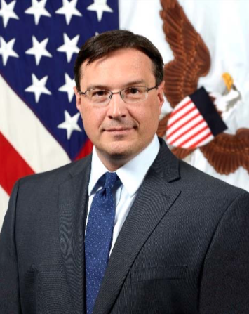 Pentagon official who chiseled military modernization commission quits