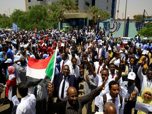 Sudan: Military chief calls for dialogue with opposition without any conditions