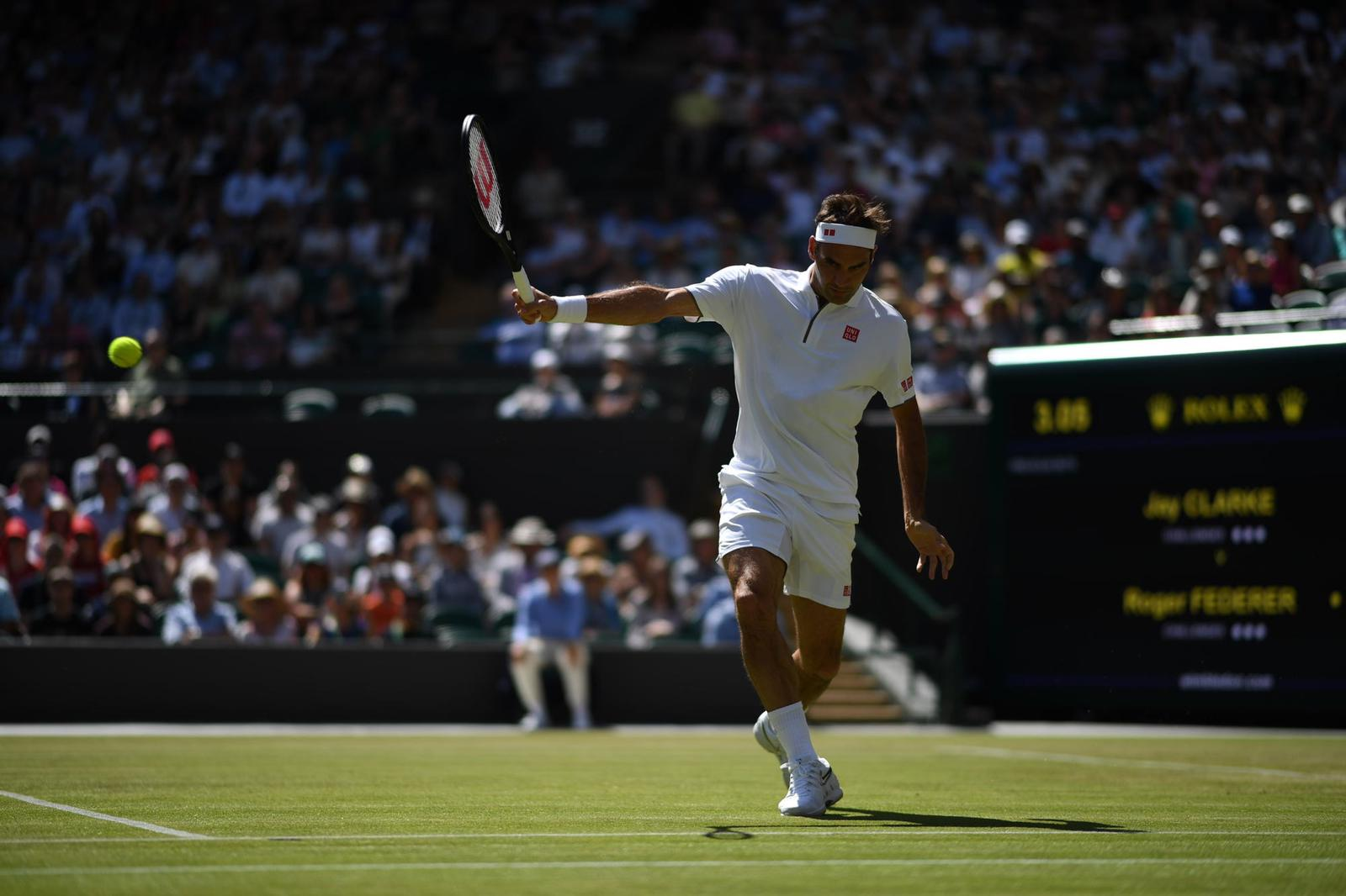 UPDATE 1-Tennis-Vintage Federer holds off Nadal to reach Wimbledon final