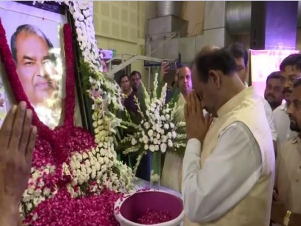 Lok Sabha Speaker recalls great works of Mange Ram Garg