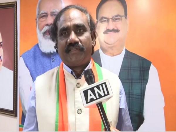 Andhra Pradesh BJP vice-president slams YSRCP govt for misleading people over Public Distribution System in state