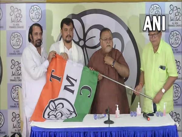 West Bengal: BJP MLA Soumen Roy joins TMC