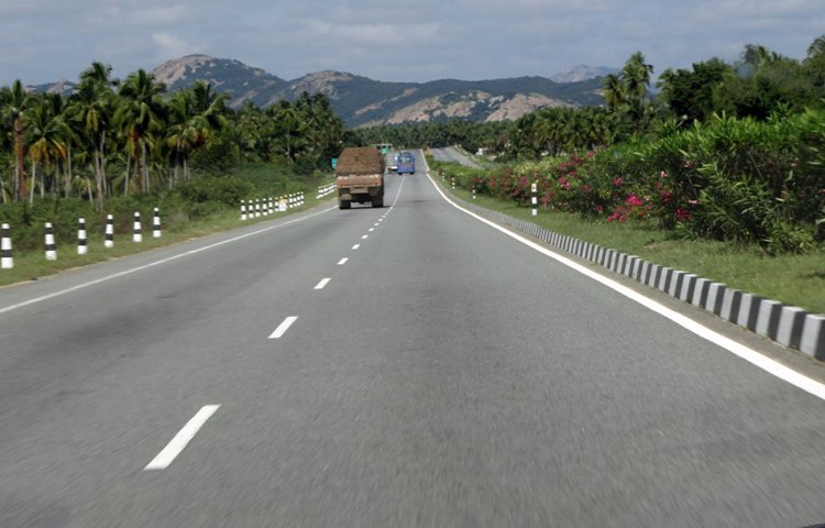 Bailey bridge on Jammu-Srinagar highway to be completed by Friday, traffic to resume soon