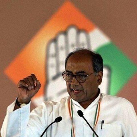 Digvijaya Singh performs yagna with Computer Baba to ensure win in Lok Sabha elections