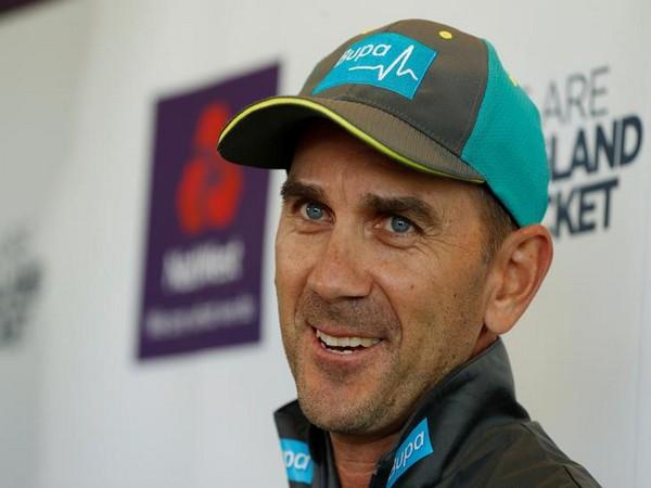 Australia unchanged for second WC clash despite spin temptation