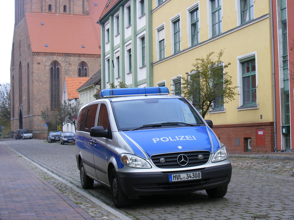 Police: Attempted arson attack on synagogue in Germany