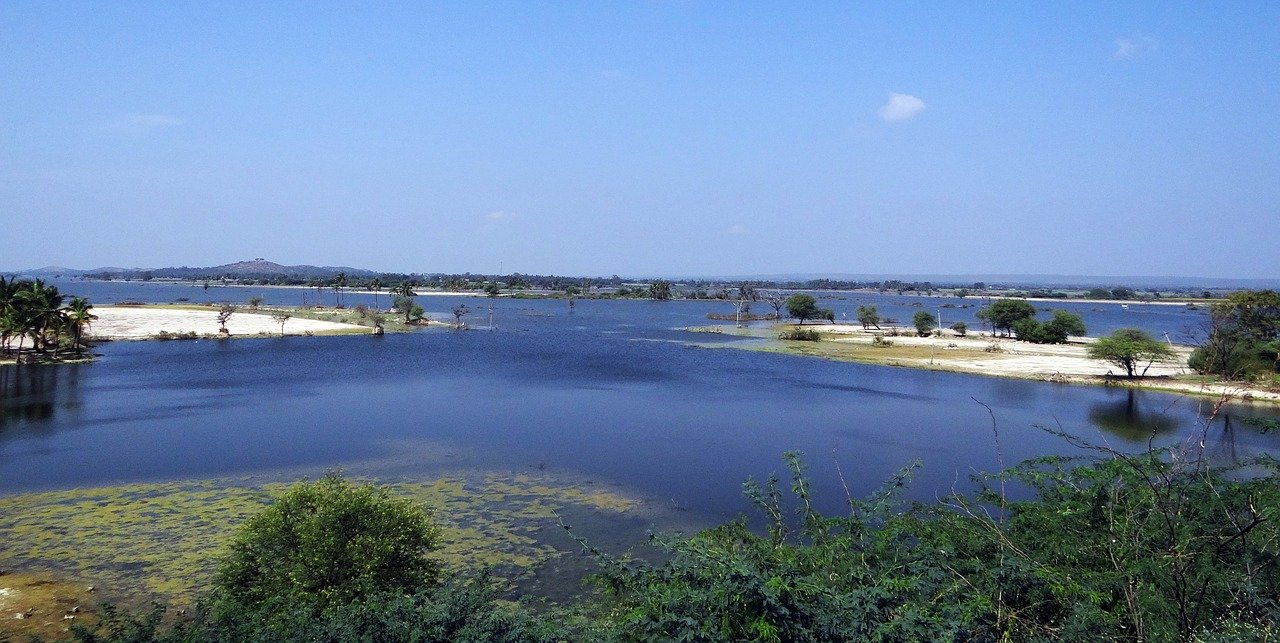 Centre asks Telangana to stop further release of water through Srisailam & Nagarjunasagar dams