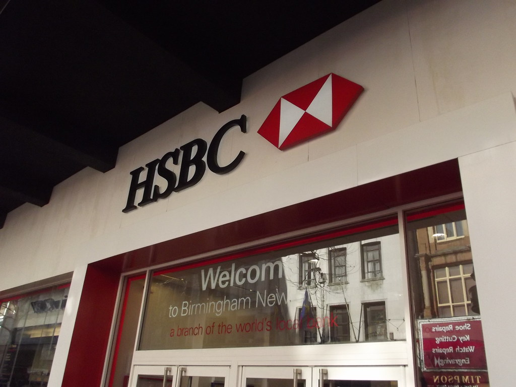 UPDATE 2-HSBC to cut up to 10,000 jobs in drive to slash costs -FT