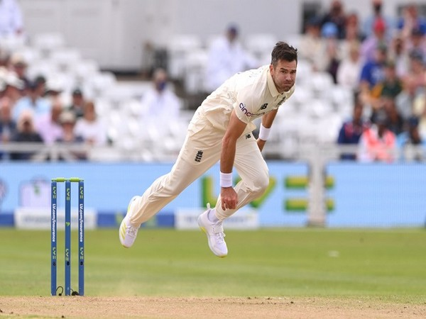 Anderson removes Kohli for golden duck, equals Kumble's tally of 619 Test wickets