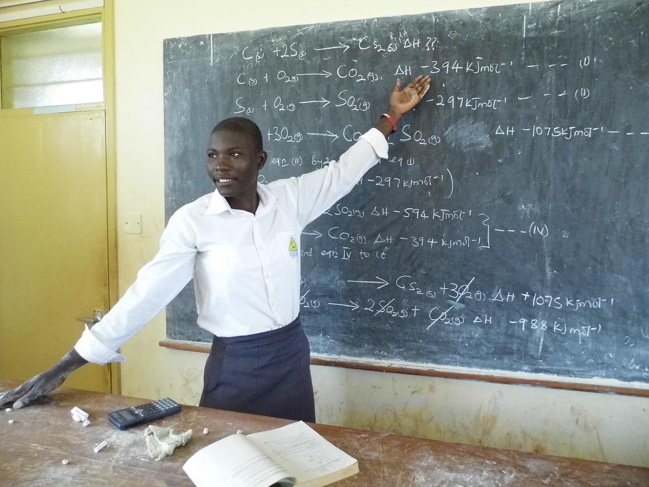 Kenya: KDF airlifts teachers to schools in Lamu in terror attack area of Lamu