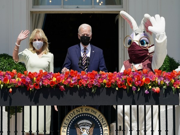 Easter Bunny visits White House, makes surprise appearance at press briefing