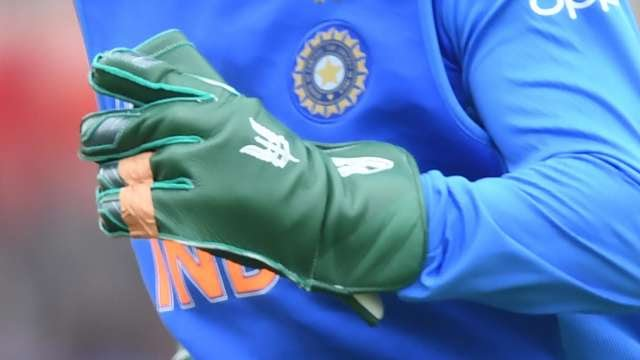 Army insignia logo 'Balidaan' on Dhoni's gloves, what ICC rules say