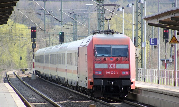 German train drivers step up action despite new Dt Bahn offer
