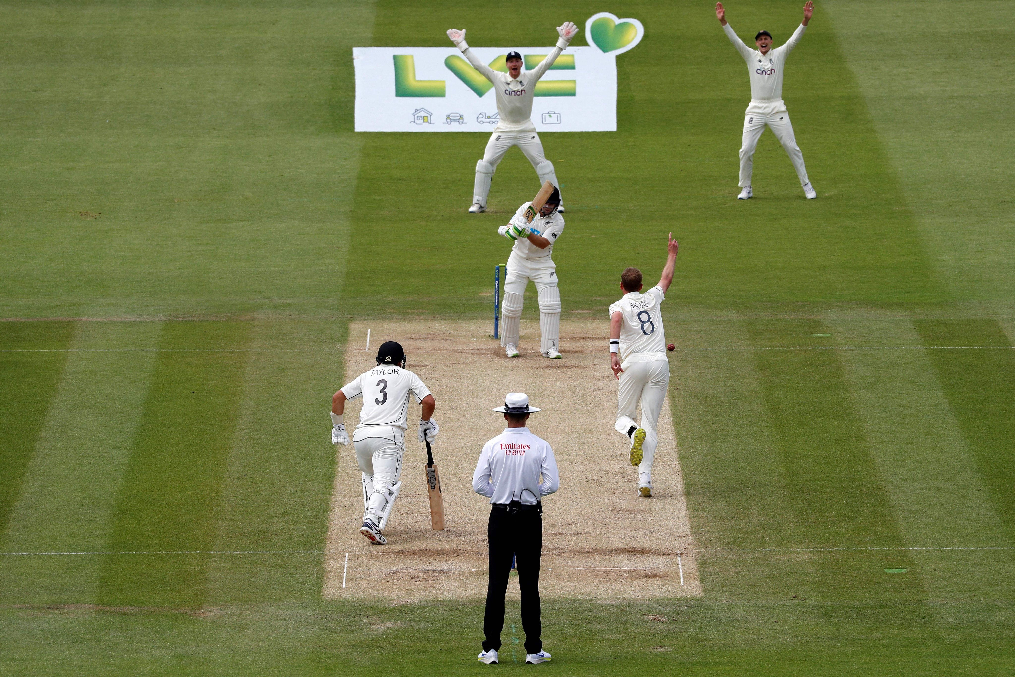 Cricket-New Zealand declare at 169-6 to set England target of 273