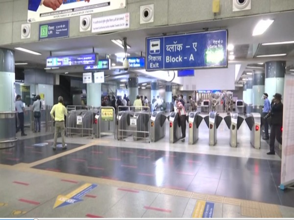 Slight increase in commuters but not many customers at food outlets on Delhi Metro premises