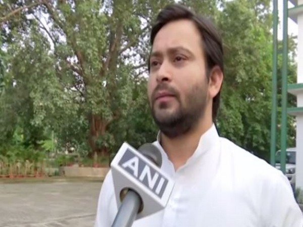 Bihar is flooded and BJP-JDU leaders are fighting like dogs and cats: Tejashwi Yadav